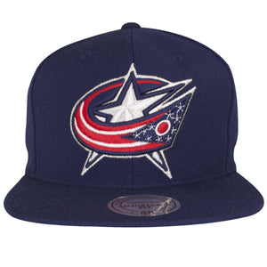 on the front of the columbus blue jackets classic snapback hat is a columbus blue jackets logo embroidered in white, silver, red, and navy blue