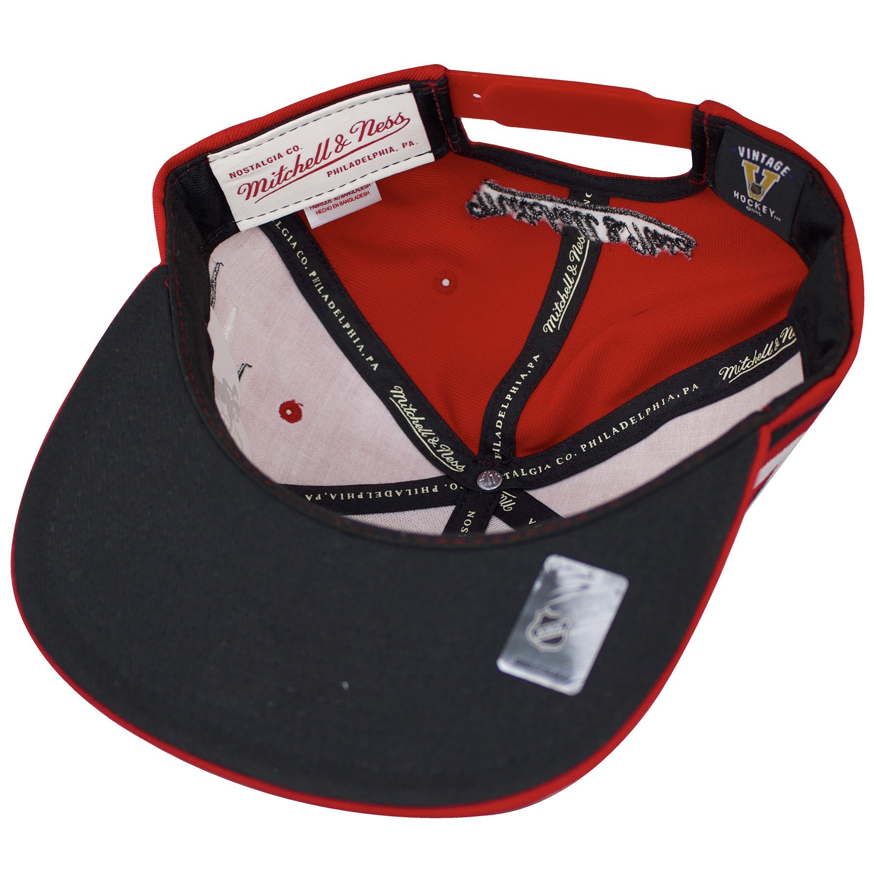0867afe34aaac3 coupon the under brim of the chicago blackhawks diamond spikes snapback hat  is blac 8ceb3 81e37