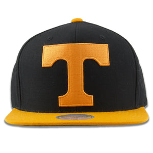 The tennessee volunteers snapback hat has a large t logo embroidered on the front