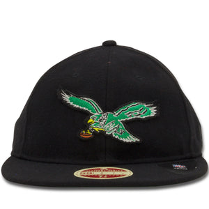 The 1933 Philadelphia Eagles vintage 59fifty fitted cap features a retro wool material with the throwback Philadelphia Eagles logo embroidered on the front