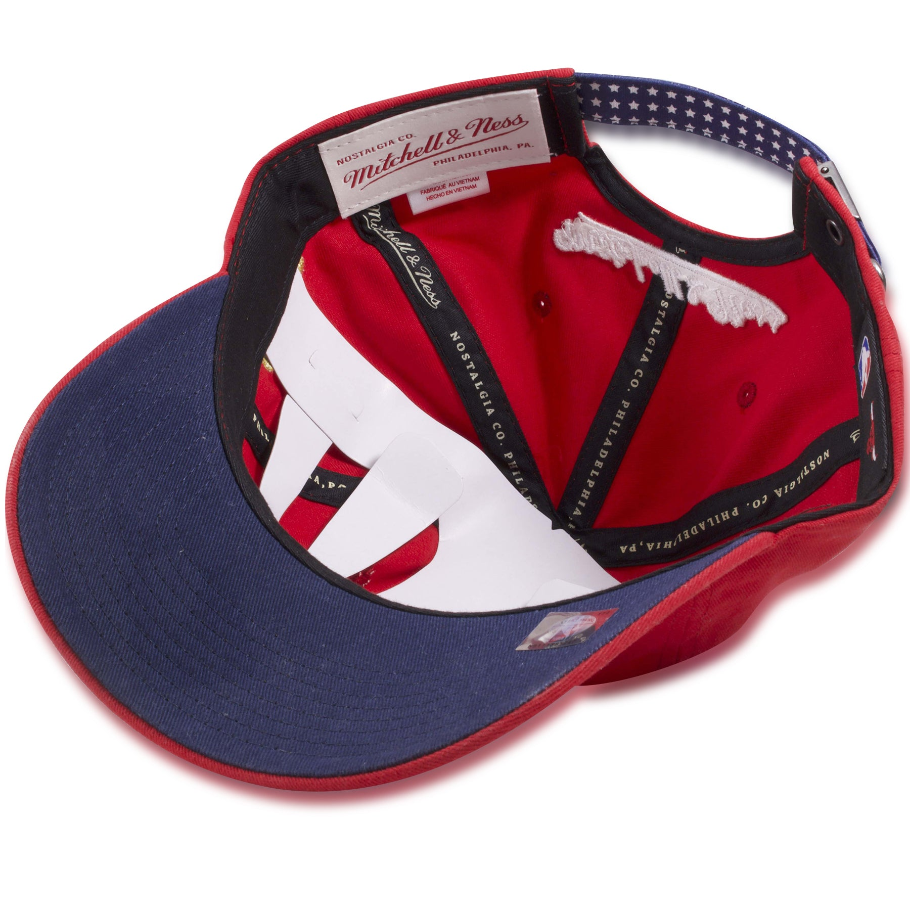 buy popular 39f39 40300 ... Chicago Bulls Fourth of July Red Flag Patch Adjustable Baseball Cap