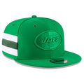 The right side of the 2018 New York Jets on field snapback hat has a white and green striped pattern