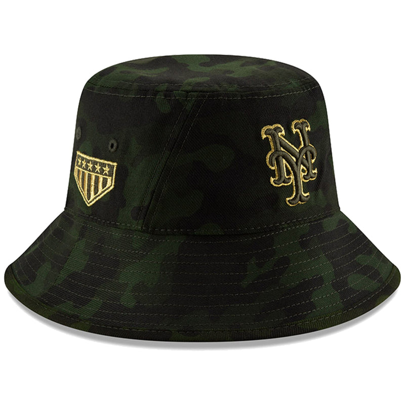 Embroidered on the right side of the New York Mets 2019 Memorial Day Bucket Hat is the 5 star logo embroidered in metallic gold and military green