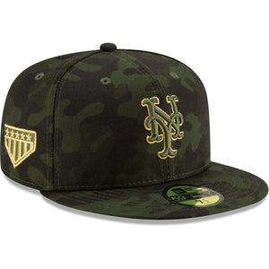 Embroidered on the right side of the New York Mets 2019 Memorial Day Fitted Cap is the 5 star logo embroidered in metallic gold