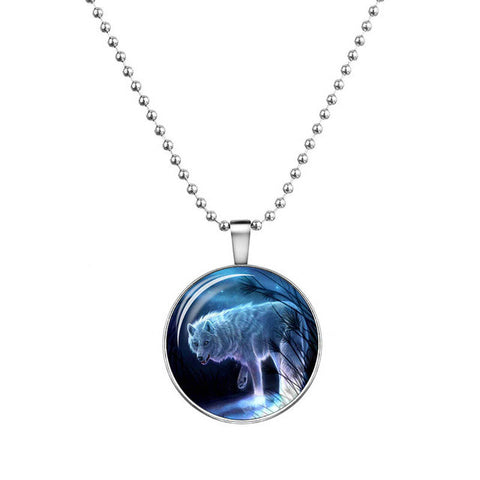 2017 Wolf Cabochon Glass Glowing Pendant Necklaces Fashion Jewelry Silver Plated Chain Glow In The Dark Necklaces Collares