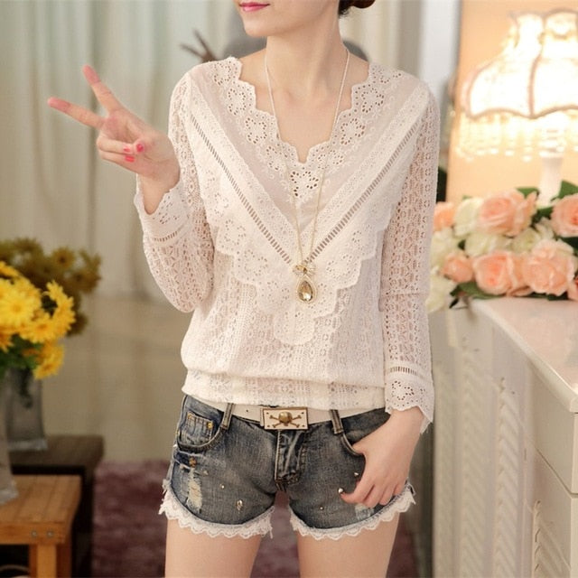 2016 hot sale new arrival Spring and  autumn Korean fashion women blouse V neck long sleeve slim  lace female shirt  63C 30