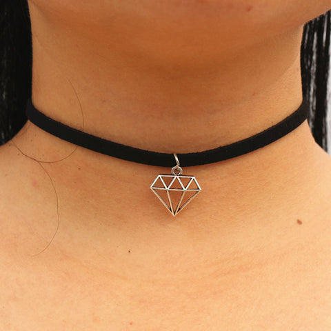 N960 Punk Chokers Necklaces Women Triangle Black Velvet Suede Leather Chain Collares Fashion Jewelry Gothic 90's  Bijoux 2017