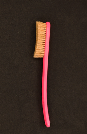 Hyper Pink Lycan Brush