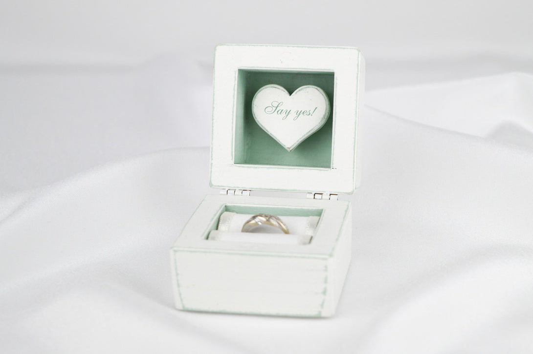 Proposal Ring Box, Engagement Ring Box in White and Mint – Gregolino