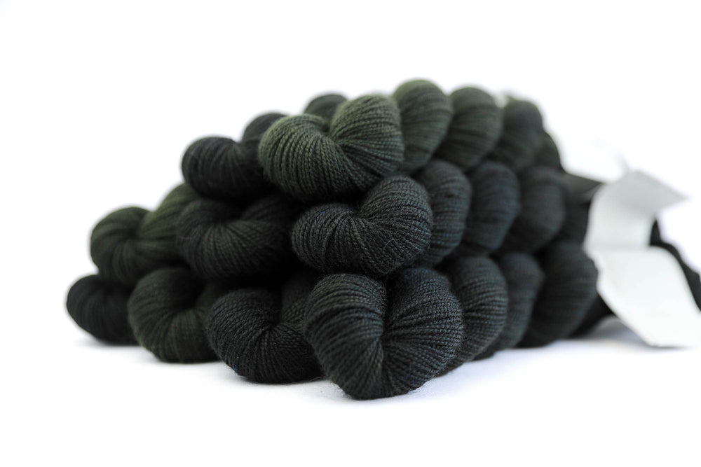 High Twist BFL 50g - Dark Forest