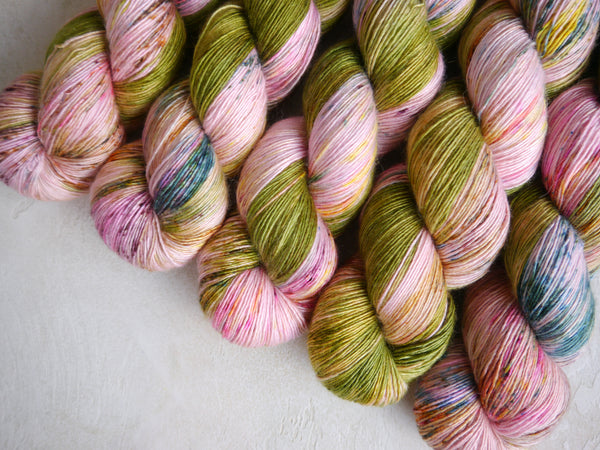 Qing Fibre Silky Merino Single: Meadow