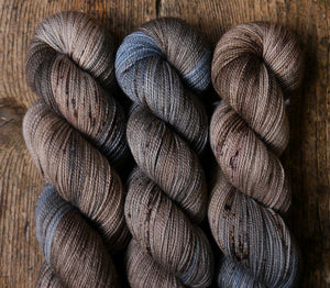 Qing Fibre Glitter Sock: Bluefinch Bedrock