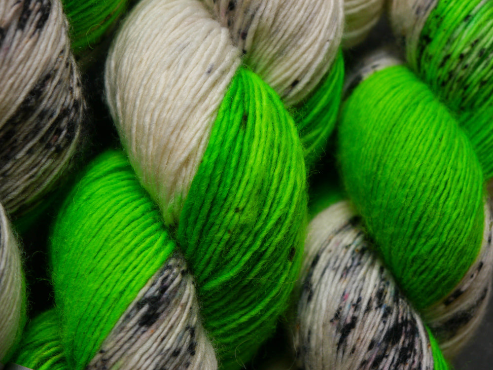 Qing Fibre Merino Single - Acid Bomb