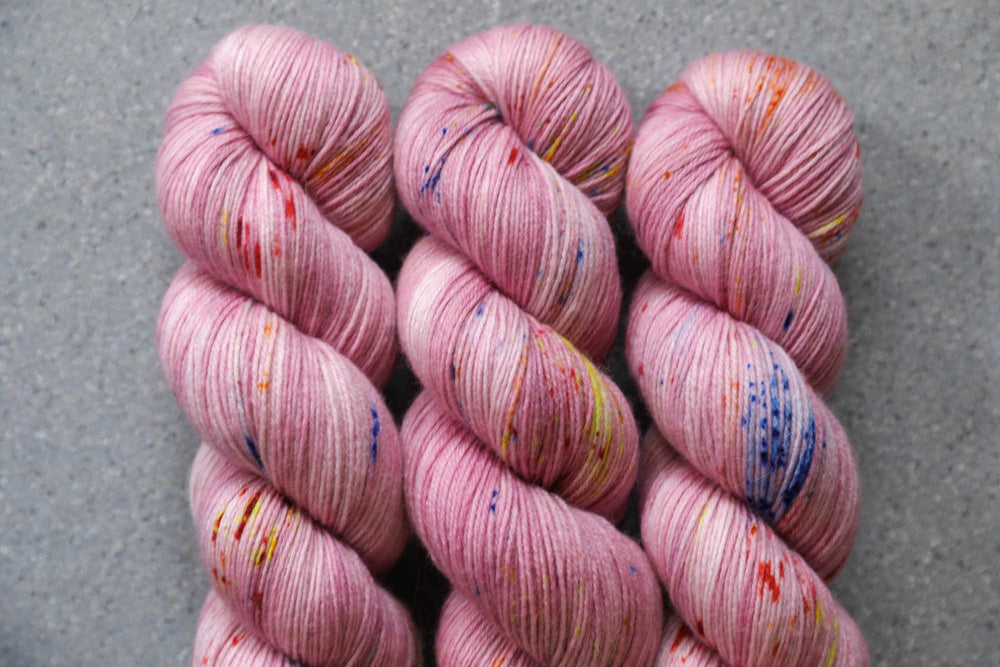 Qing Fibre Super Soft Sock: Berry Milkshake