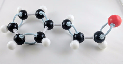 molecular model cinnamaldehyde