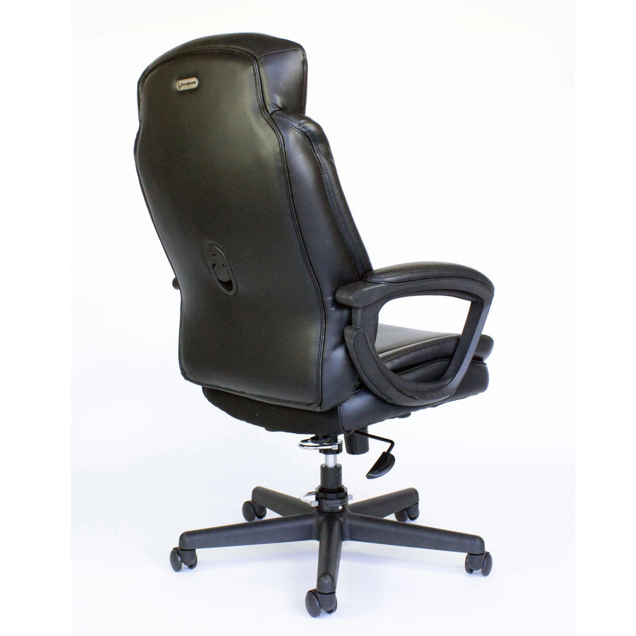 Cozy Roadie - Fully Portable Crew Chair - back view