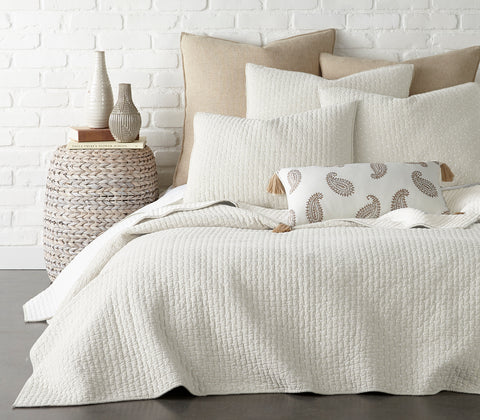 Cross Stitch Cream Quilt Set