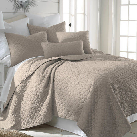 Bordeaux Taupe Quilt Set