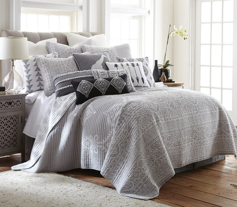 Carlisle Grey Quilt Set