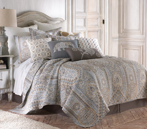 Casablanca Grey Quilt Set