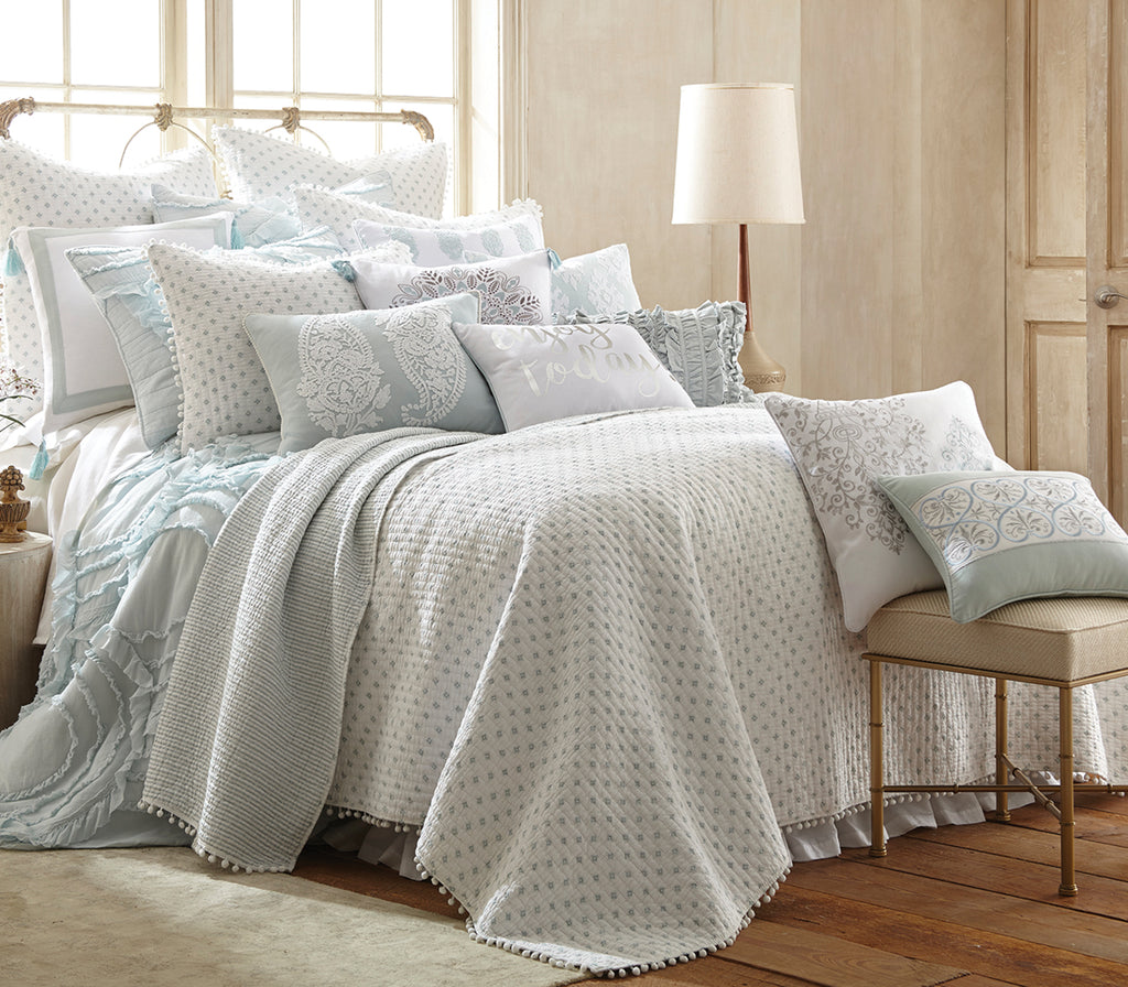 Ditsy Spa Quilt Set