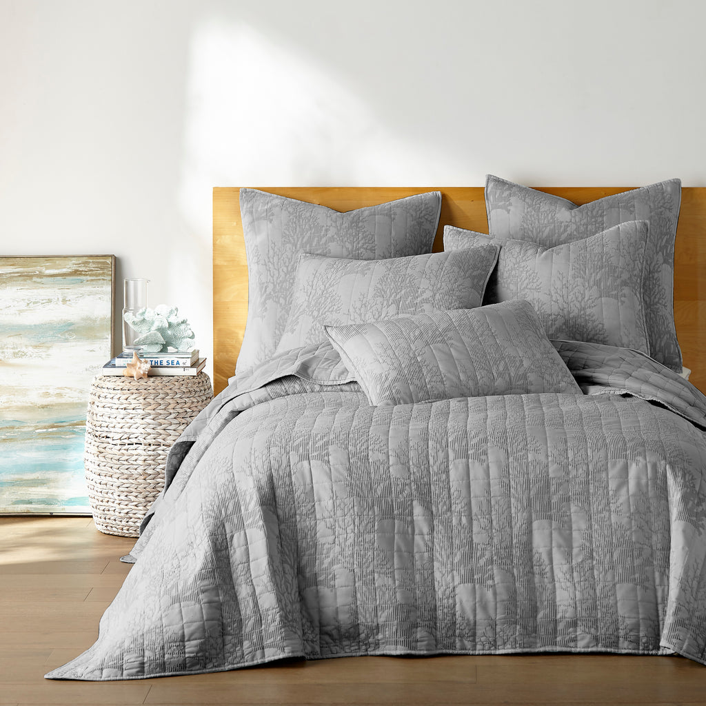 Naples Light Grey Quilt Set