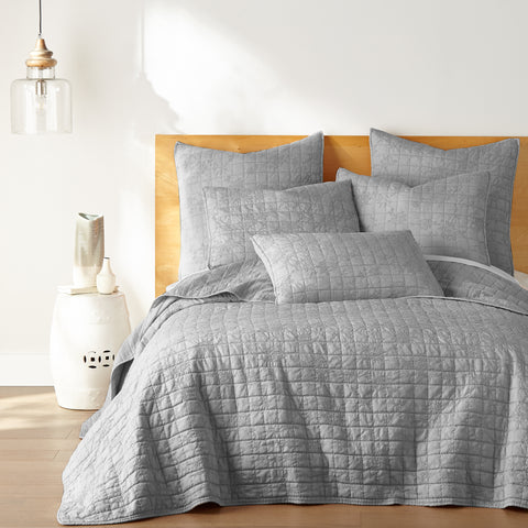 Bowie Light Grey Quilt Set
