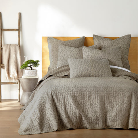 Beckett Taupe Quilt Set