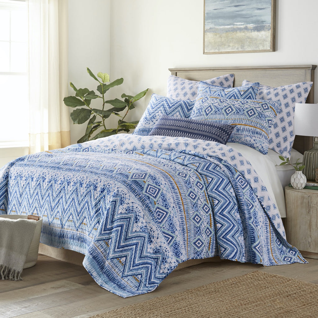 Aquatine Quilt Set