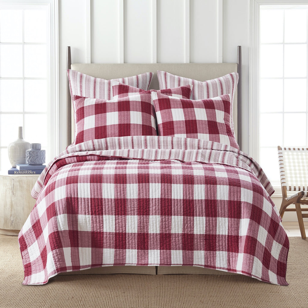 Camden Red Quilt Set