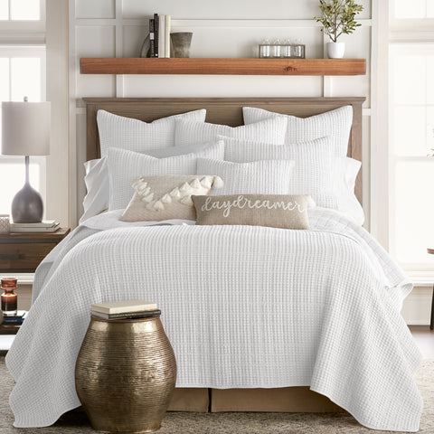 Mills Waffle White Quilt Set