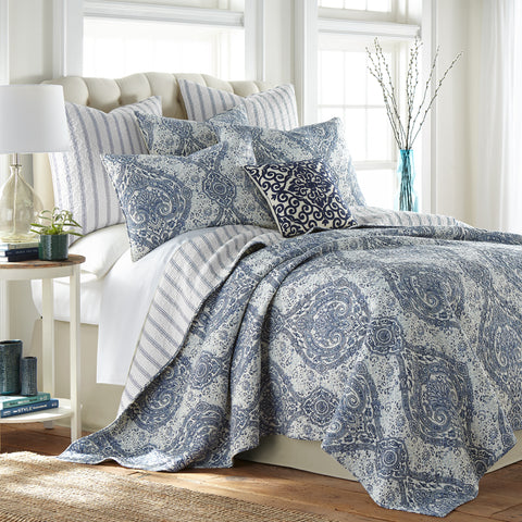 Castelli Quilt Set with Decorative Pillow
