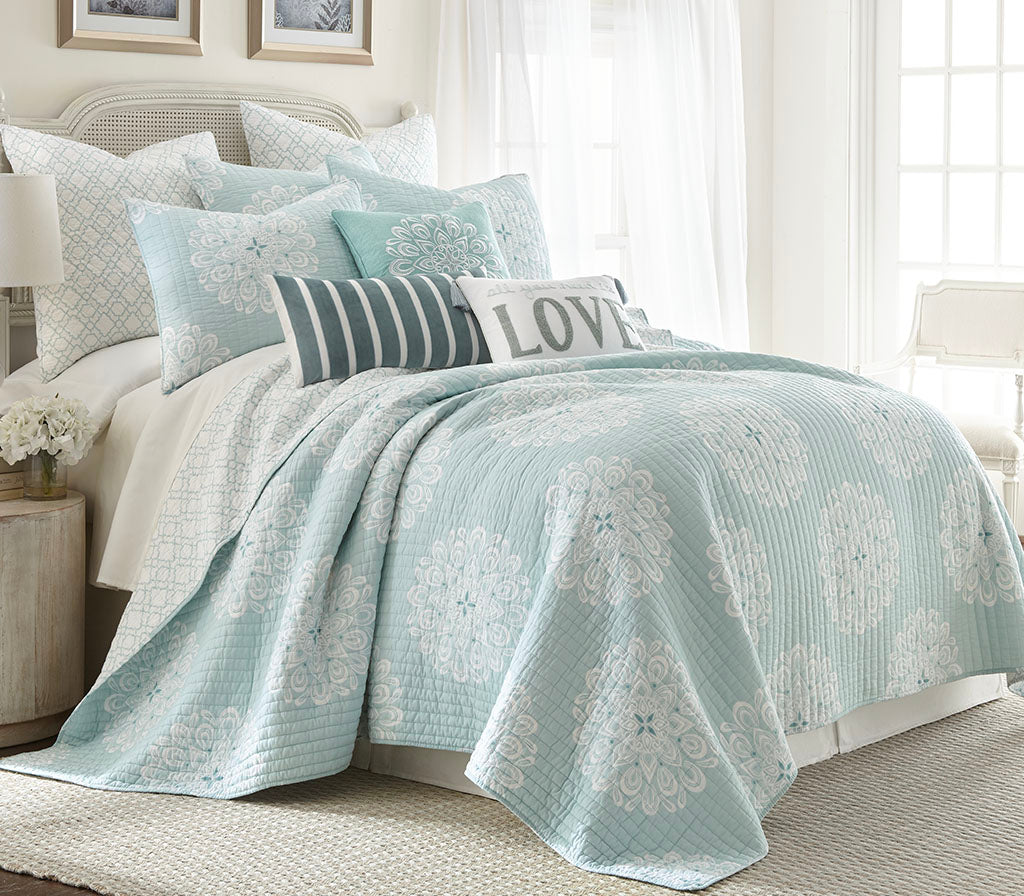 Lara Spa Quilt Set