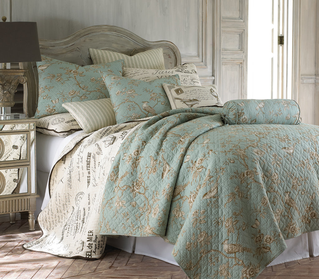 Lyon Teal Quilt Set