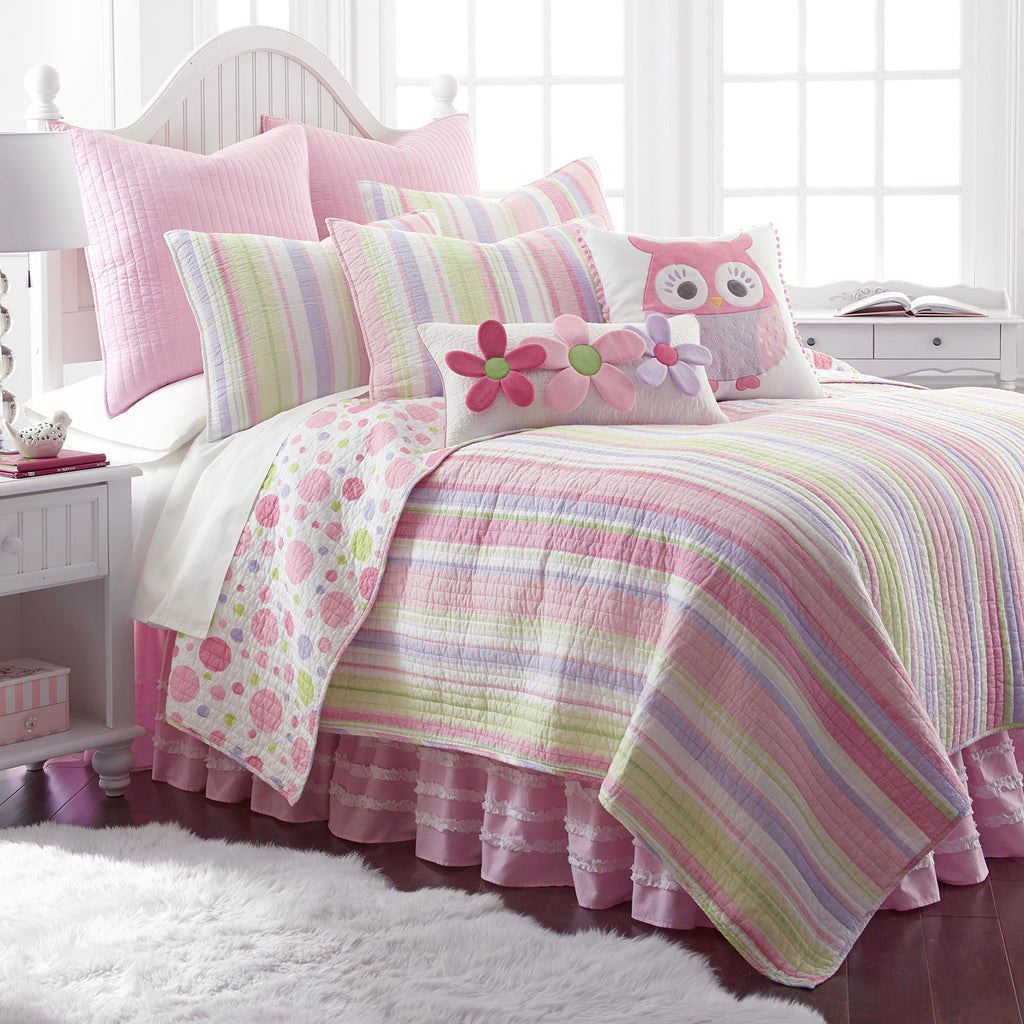 Merrill Stripe Girl Quilt Set