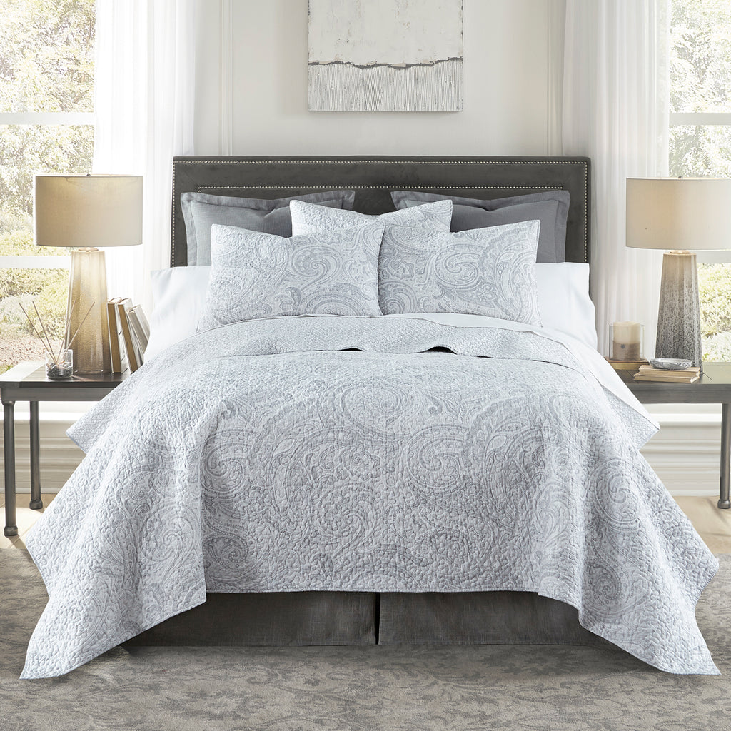 Spruce Silver Quilt Set