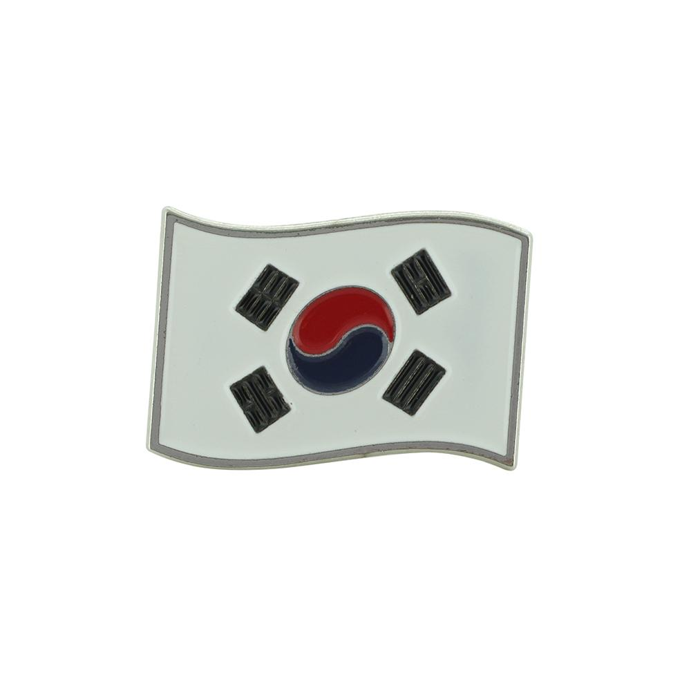 Waving South Korean Flag Lapel Pin