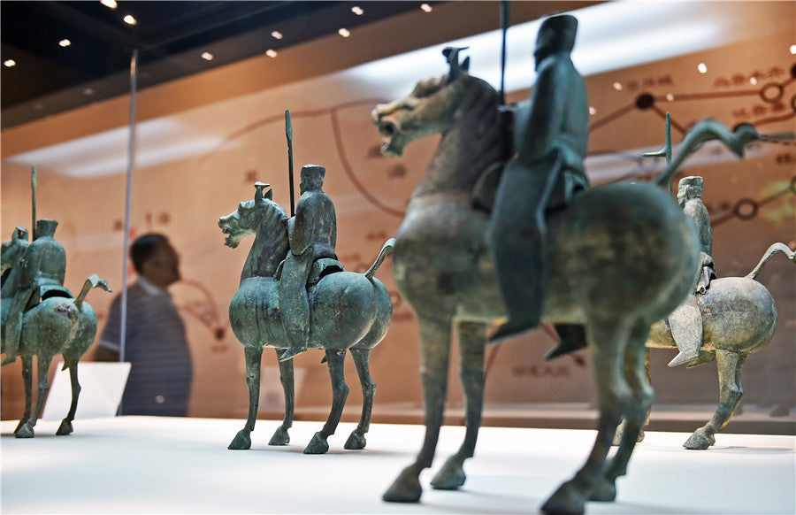 Silk Road-themed relics exhibition