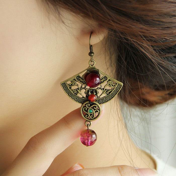 Luxury hypoallergenic red agate retro fan shaped earrings