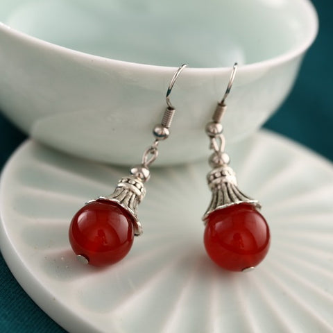 Exquisite concise tiny beads short red agate earrings