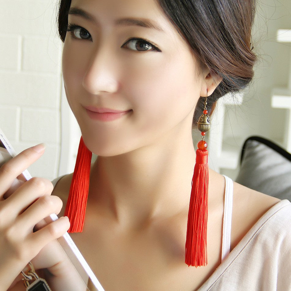 The classic national exaggerated long  red tassel earrings