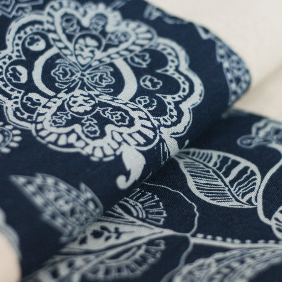 Handmade leaves pattern blue calico tablecloth - cultureincart.com