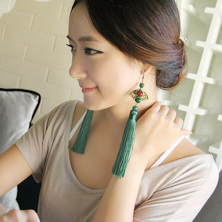 Retro exaggerated fan-shaped long green tassel earrings