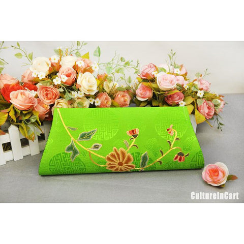 Green Chrysanthemum Hand Embroidery Handbag