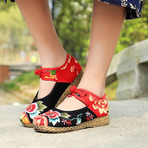 Spring fashionable color patchwork embroidered vintage Chinese button flattied shoes