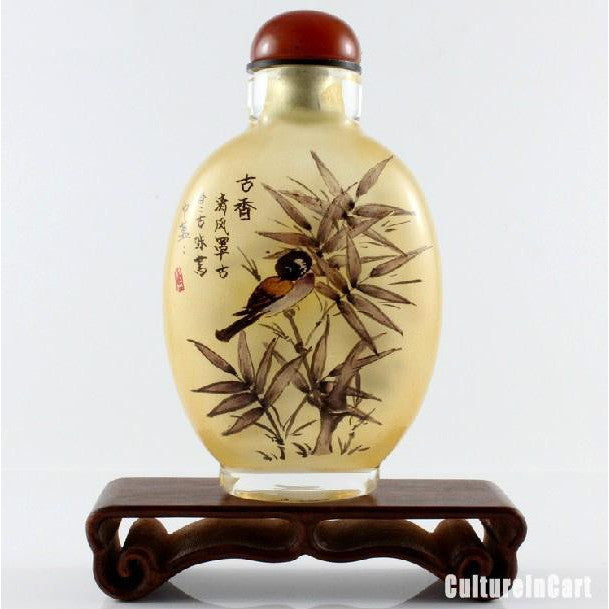 Magpie and Chrysanthemum Snuff Bottle