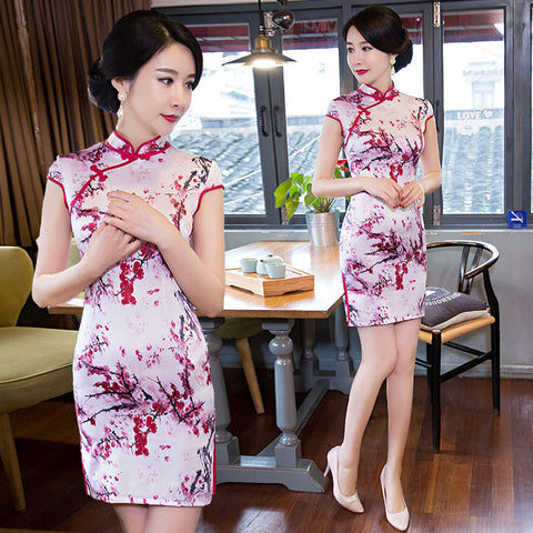 Short sleeved slim multicolored silk cheongsam