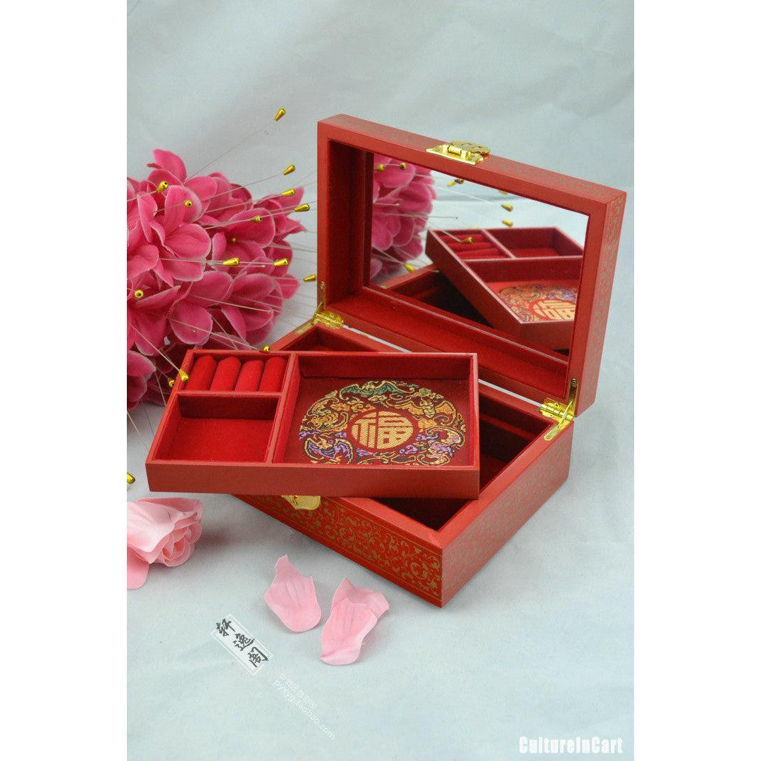Push Light Lacquer Red Jewel Case