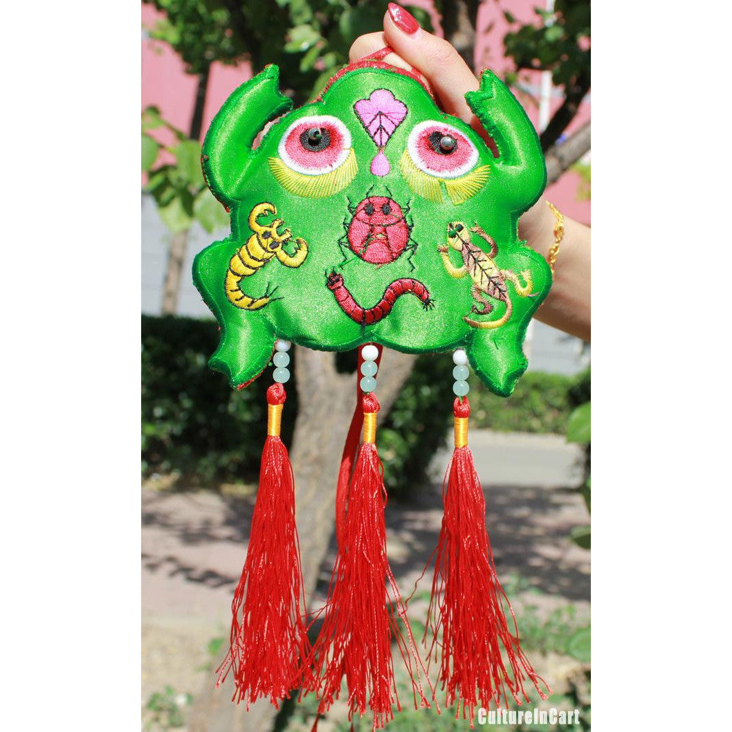 """Peace all Year Round"" Little Frog Embroid Perfume Bag - cultureincart.com"