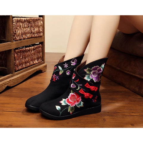 Embroidered printed handmade ventilate flattied cotton boots